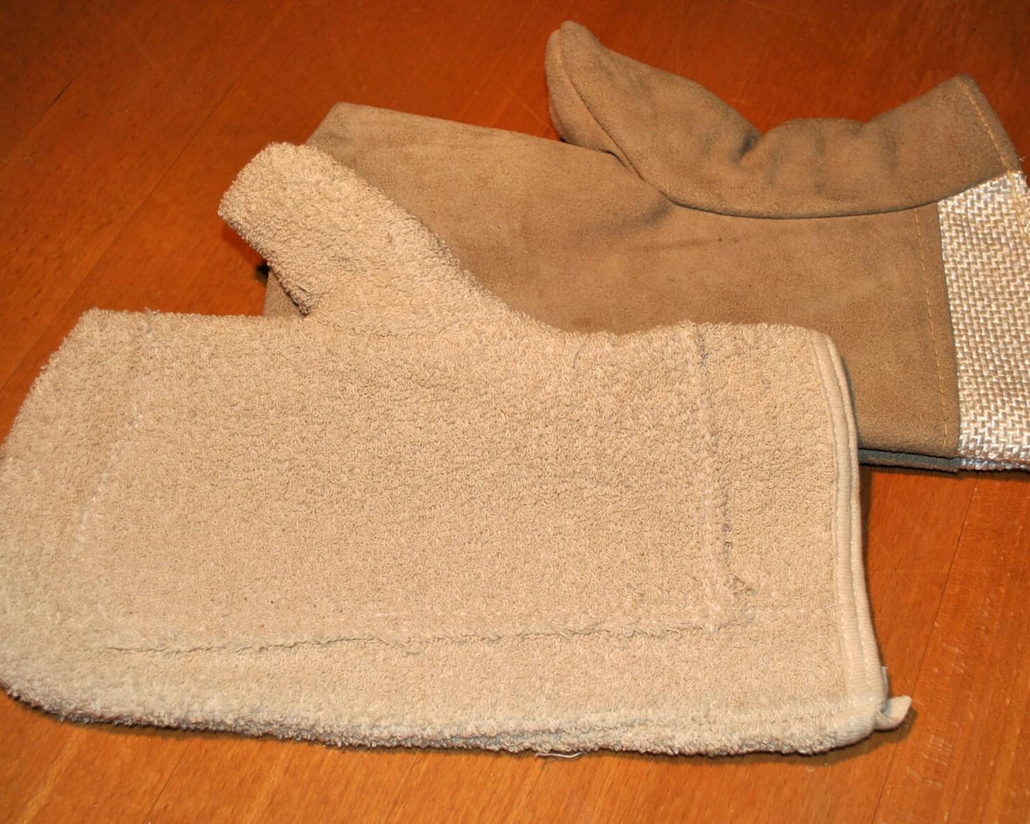 Busam, Holzbackofen, REKORD, Appelt, Holzofenbrot, Handschuhe